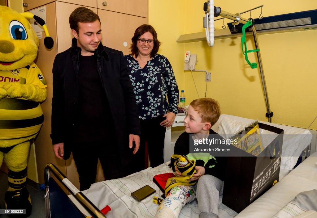 Borussia Dortmund Visits Children's Hospital Dortmund