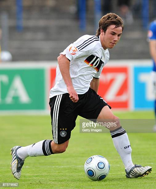 Mario Goetze of Germany in action during the Uefa U17 European Championship between Germany and Italy at the Paul Greifzu stadium on May 15 2009 in...