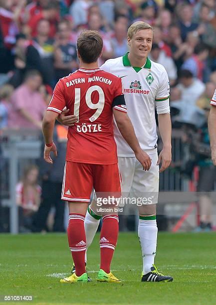 Mario Goetze und Felix Kroos im Gespraech nach dem Schlusspfiff waehrend dem Fussball Bundesliga Spiel FC Bayern Muenchen gegen Werder Bremen am 32...