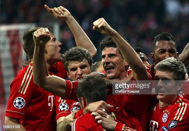 Mario Gomez of Bayern celebrates the second goal with his team mates during the UEFA Champions League Semi Final first leg match between FC Bayern...