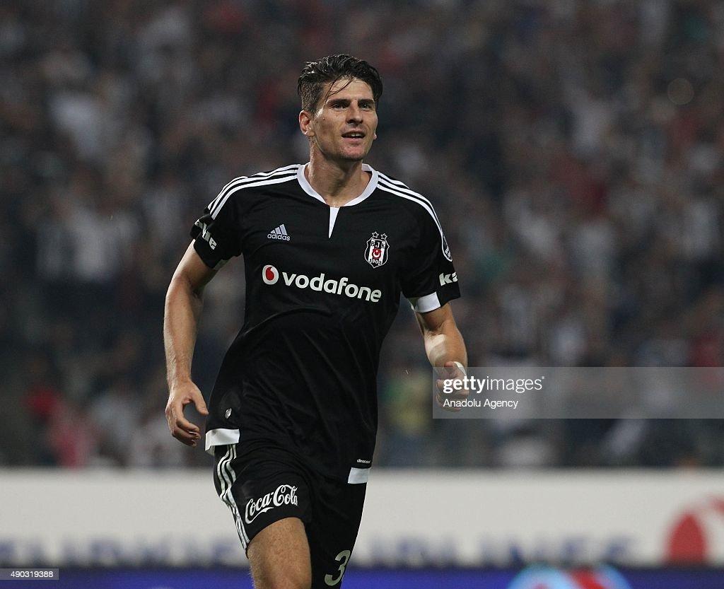 Besiktas vs Fenerbahce: Turkish Spor Toto Super League : News Photo