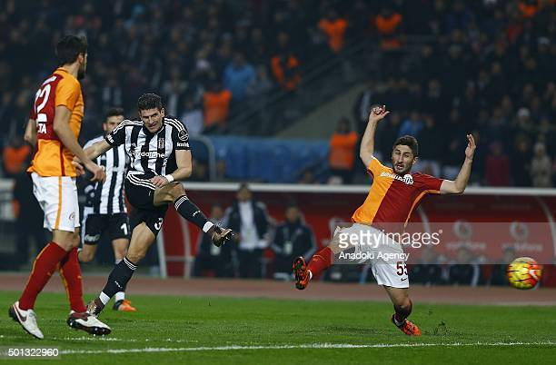 Mario Gomez of Besiktas in action during the Turkish Spor Toto Super League football match between Besiktas and Galatasaray at Ataturk Olympic...