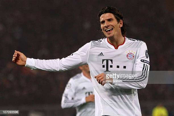 Mario Gomez of Muenchen celebrates his team's second goal during the UEFA Champions League group E match between AS Roma and FC Bayern Muenchen at...