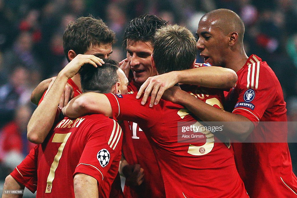 Mario Gomez (C) of Muenchen celebrates his team's third goal with team mates Thomas Mueller, Franck Ribery, Toni Kroos and Jerome Boateng (L-R) during the UEFA Champions League group A match between FC Bayern Muenchen and SSC Napoli at Allianz Arena on November 2, 2011 in Munich, Germany.