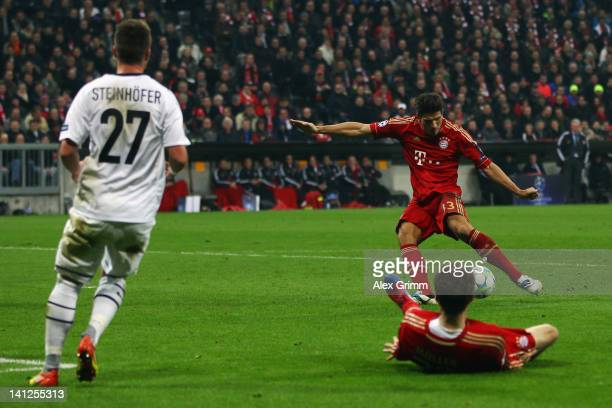 Mario Gomez of Muenchen scores his team's sixth goal during the UEFA Champions League Round of 16 second leg match between FC Bayern Muenchen and FC...