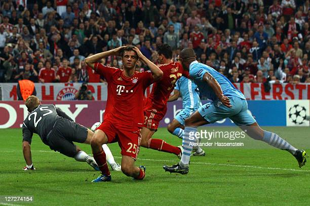 Mario Gomez of Muenchen scores the opening goal during the UEFA Champions League group A match between FC Bayern Muenchen and Manchester City FC at...