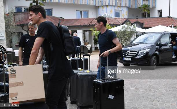 Mario Gomez und Sebastian Rudy arrive on day one of the Germany National Football team's training camp at Hotel Weinegg on May 23 2018 in Eppan Italy