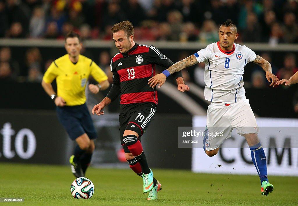 Mario Götze Goetze Deutschland Germany Gegen Arturo Vidal Chile News Photo Getty Images