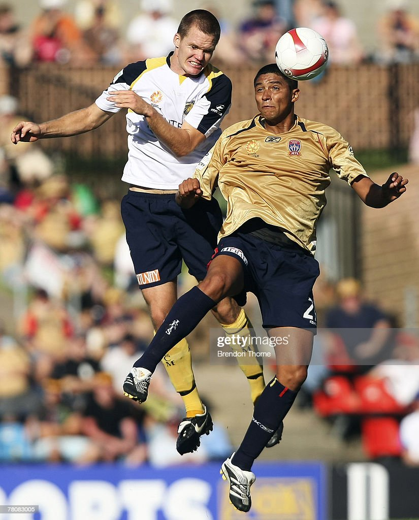 Mario Jardel of the Jets goes up for a header with Nigel Boogaard of the Mariners during the round 14 A-League match between the Newcastle Jets and the Central Coast Mariners at EnergyAustralia Stadium on November 25, 2007 in Newcastle, Australia.