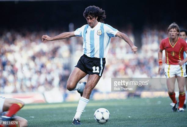 Mario Kempes in action for Argentina against Belgium during the opening match in the 1982 World Cup Finals at the Nou Camp Stadium in Barcelona 13th...