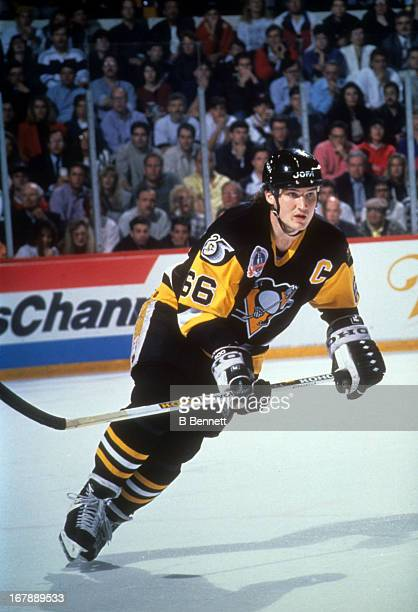 Mario Lemieux of the Pittsburgh Penguins skates on the ice during Game 4 of the 1992 Stanley Cup Finals against the Chicago Blackhawks on June 1,...