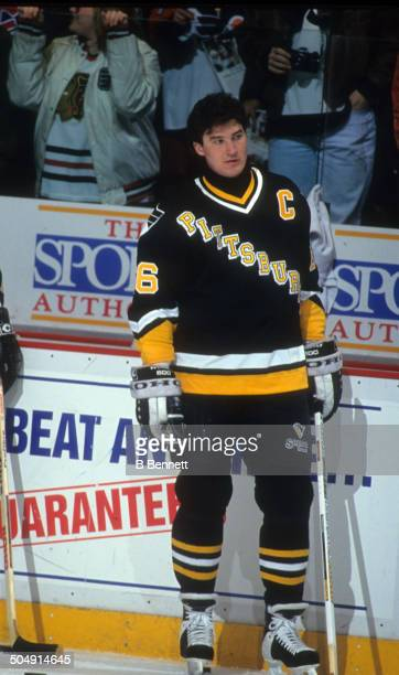 Mario Lemieux of the Pittsburgh Penguins warms-up before the game against the Philadelphia Flyers on March 2, 1993 at the Spectrum in Philadelphia,...