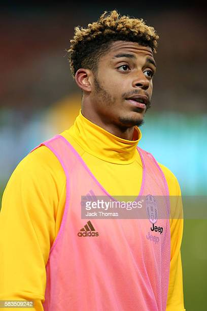Mario Lemina of Juventus warms up before the 2016 International Champions Cup match between Juventus FC and Tottenham Hotspur at Melbourne Cricket...