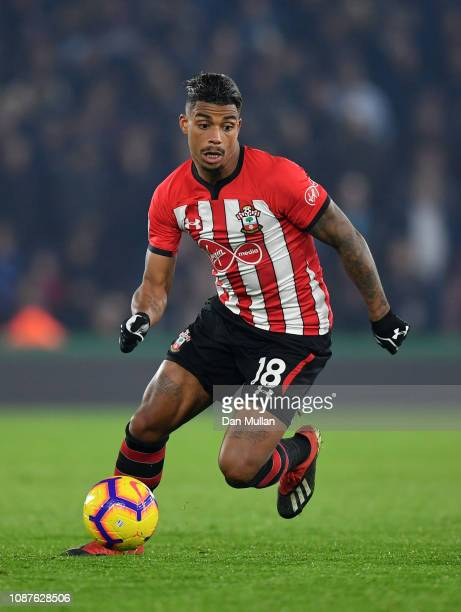Mario Lemina of Southampton FC controls the ball during the Premier League match between Southampton FC and West Ham United at St Mary's Stadium on...