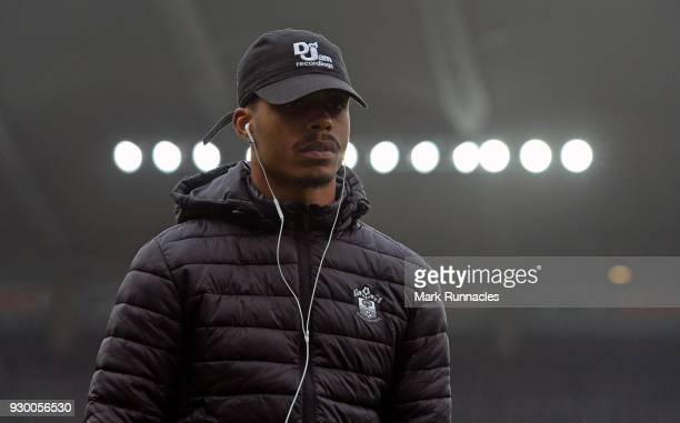 Mario Lemina of Southampton takes a look around the pitch prior to the Premier League match between Newcastle United and Southampton at St James Park...
