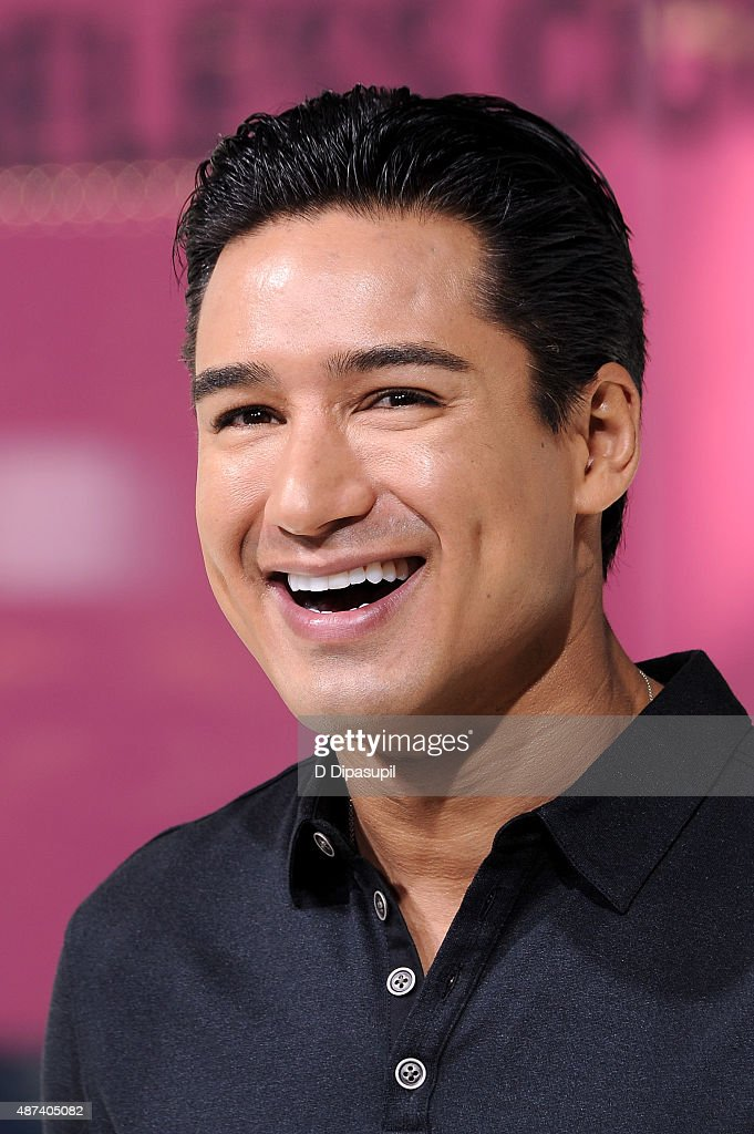 Mario Lopez hosts 'Extra' at their New York studios at H&M in Times Square on September 9, 2015 in New York City.