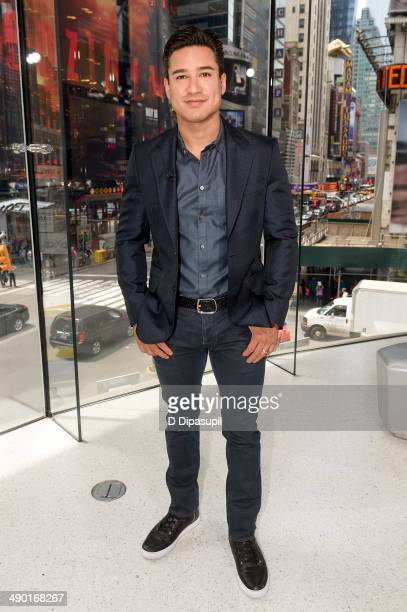 Mario Lopez hosts 'Extra' at their New York studios at HM in Times Square on May 13 2014 in New York City