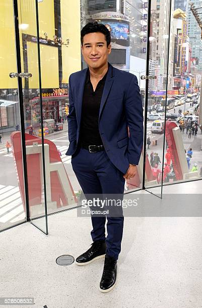Mario Lopez hosts 'Extra' at their New York studios at HM in Times Square on May 5 2016 in New York City