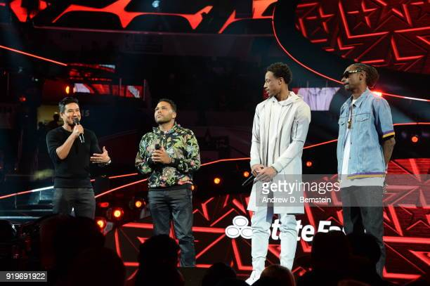 Mario Lopez Tracy Morgan DeMar DeRozan of the Toronto Raptors and Snoop Dogg speak to the crowd prior to the Taco Bell Skills Challenge during State...