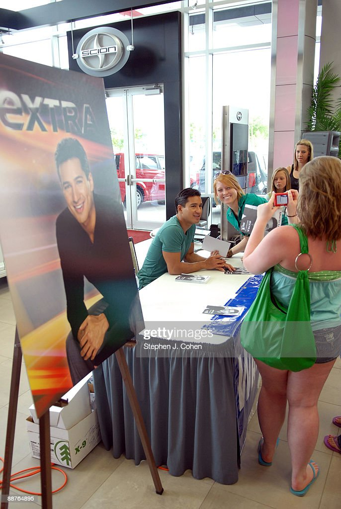 Oxmoor Toyota Service >> Mario Lopez Visits Oxmoor Toyota To Promote Extra On June
