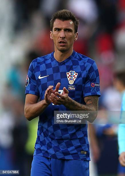 Mario Mandzukic of Croatia applauds the supporters following the UEFA Euro 2016 Group D match between the Czech Republic and Croatia at Stade...