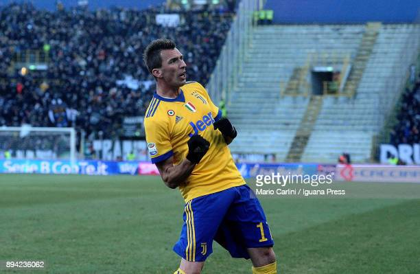 Mario Mandzukic of Juventus celebrates after scoring his team's second goal during the Serie A match between Bologna FC and Juventus at Stadio Renato...