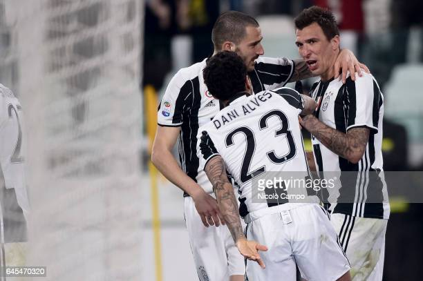 Mario Mandzukic of Juventus FC celebrates after Lukasz Skorupski of Empoli FC own goal during the Serie A football match between Juventus FC and...