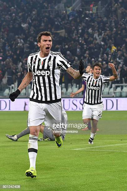 Mario Mandzukic of Juventus FC celebrates his goal during the Serie A match betweeen Juventus FC and ACF Fiorentina at Juventus Arena on December 13...
