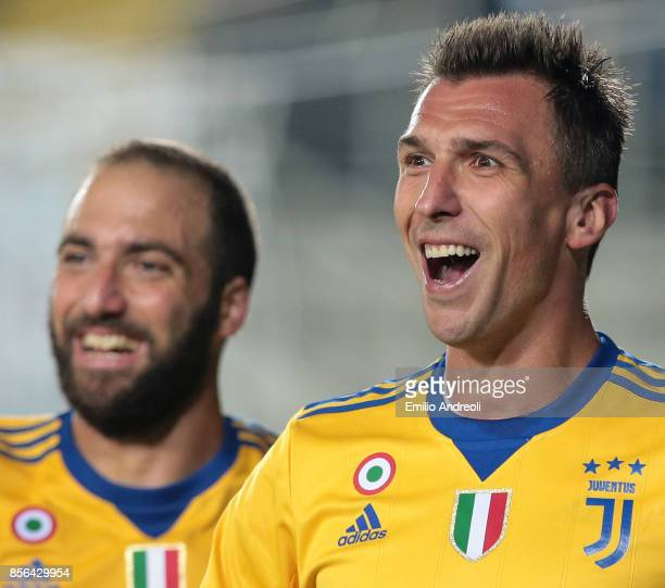 Mario Mandzukic of Juventus FC smiles during the Serie A match between Atalanta BC and Juventus at Stadio Atleti Azzurri d'Italia on October 1 2017...