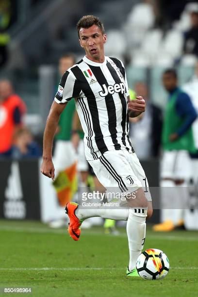 Mario Mandzukic of Juventus in action during the Serie A match between Juventus and ACF Fiorentina on September 20 2017 in Turin Italy