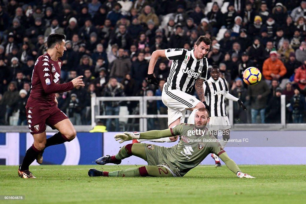 Juventus v Torino FC - TIM Cup : ニュース写真