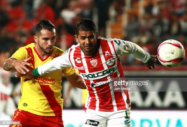 Mario Osuna of Morelia and Miguel Ponce of Necaxa during the 17th round match between Morelia and Necaxa as part of the Torneo Apertura 2017 Liga MX...