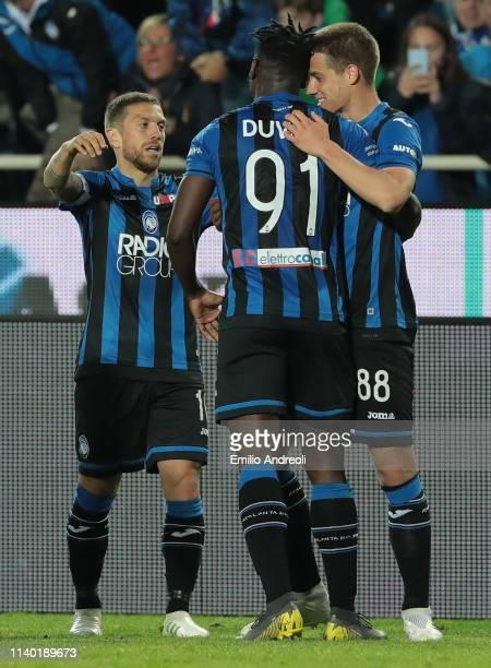 Mario Pasalic of Atalanta BC celebrates his goal with his teammates Duvan Zapata and Alejandro Gomez during the Serie A match between Atalanta BC and...