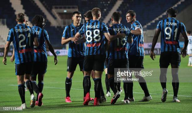 Mario Pasalic of Atalanta BC celebrates with his teammates after scoring the opening goal during the Serie A match between Atalanta BC and Brescia...