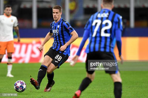 Mario Pasalic of Atalanta BC in action during the UEFA Champions League round of 16 first leg match between Atalanta BC and Valencia. Atalanta BC won...