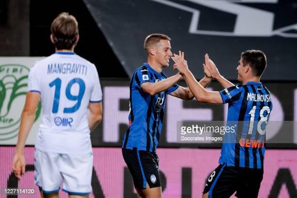 Mario Pasalic of Atalanta Bergamo celebrates 51 with Ruslan Malinovskyi of Atalanta Bergamo during the Italian Serie A match between Atalanta Bergamo...