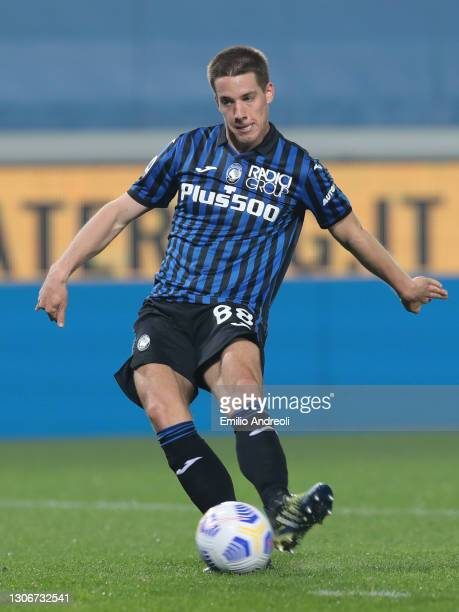 Mario Pasalic of Atalanta scores the 3rd goal during the Serie A match between Atalanta BC and Spezia Calcio at Gewiss Stadium on March 12, 2021 in...