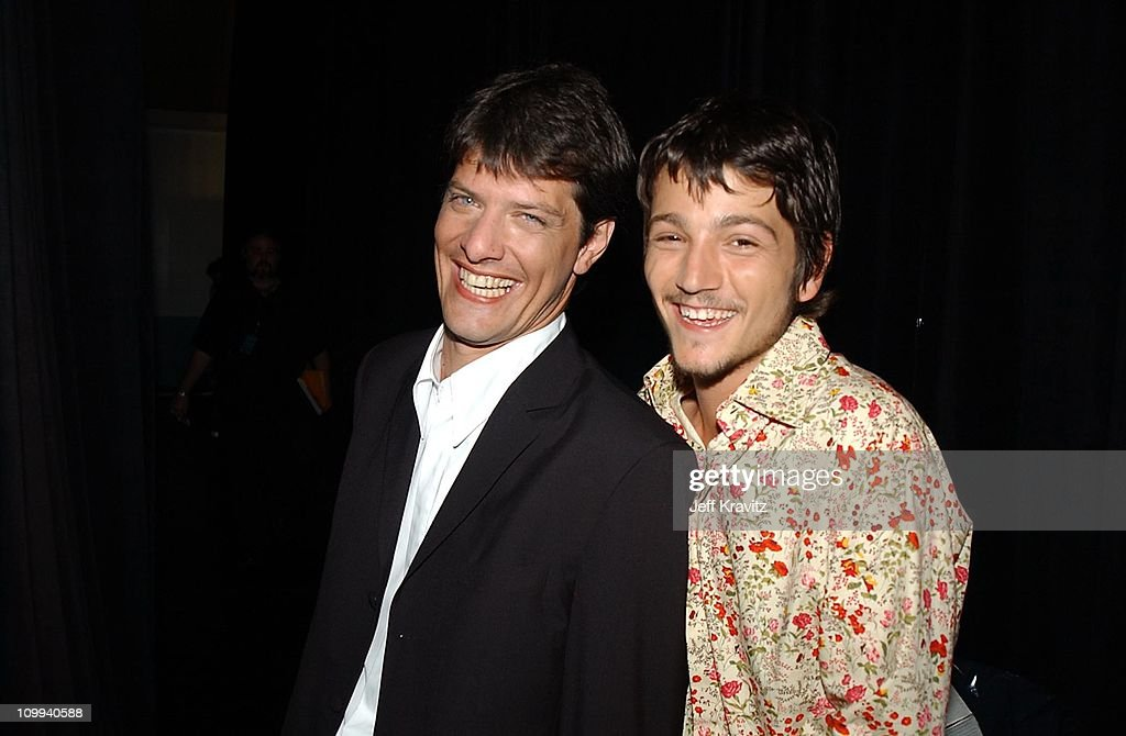 Mario Pergolini & Diego Luna during MTV Video Music Awards Latinoamerica 2002 at Jackie Gleason Theater in Miami, FL.
