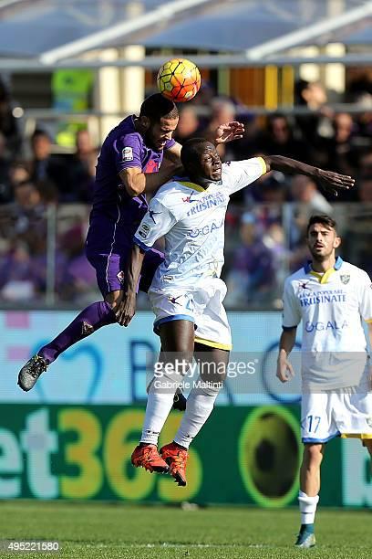 Mario Suarez of ACF Fiorentina battles for the ball with Modibo Diakite' of Frosinone Calcio during the Serie A match between ACF Fiorentina and...