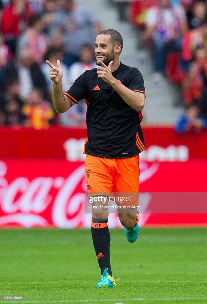 Real Sporting de Gijon v Valencia CF - La Liga