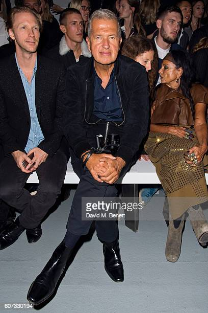 Mario Testino attends the Gareth Pugh runway show during London Fashion Week Spring/Summer collections 2017 on September 17 2016 in London United...