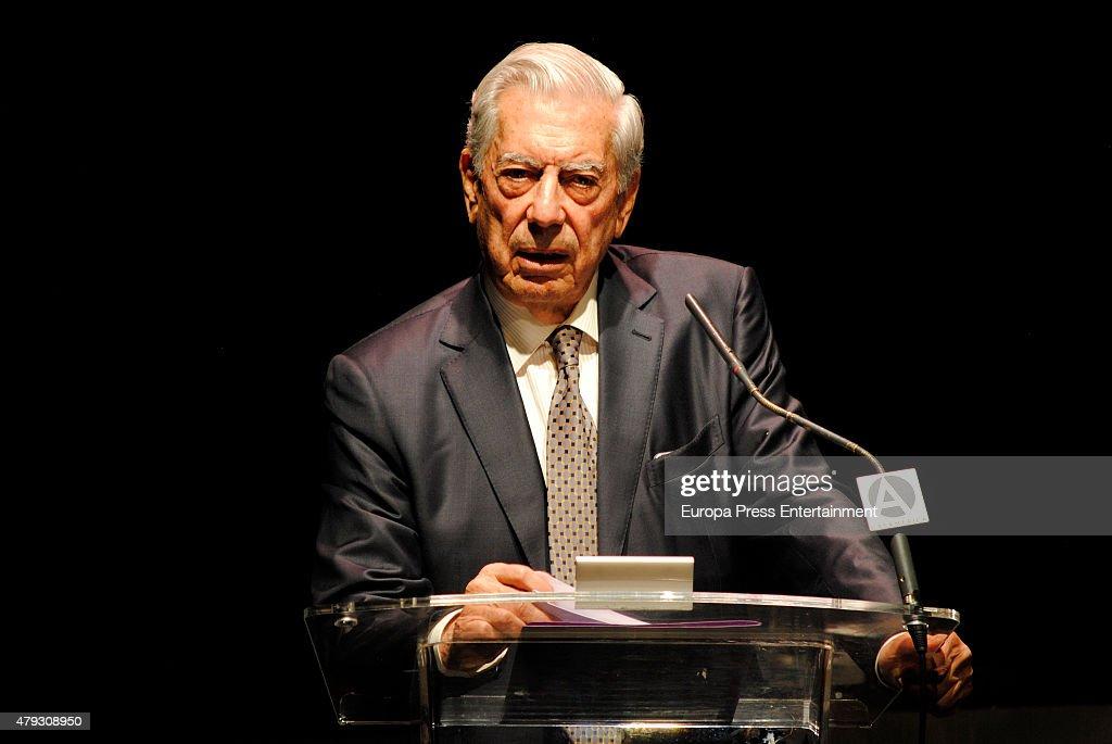 Mario Vargas Llosa Attends Freedom International Foundation Meeting : ニュース写真