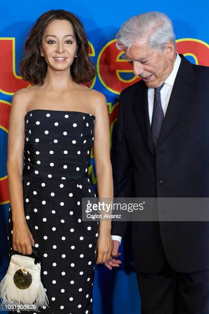 Mario Vargas Llosa inaugurates the wax figure of Isabel Preysler at the Madrid Wax Museum on October 11 2018 in Madrid Spain