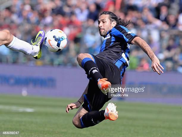 Mario Yepes of Atalanta BC in action during the Serie A match between Atalanta BC and US Sassuolo Calcio at Stadio Atleti Azzurri d'Italia on April 6...