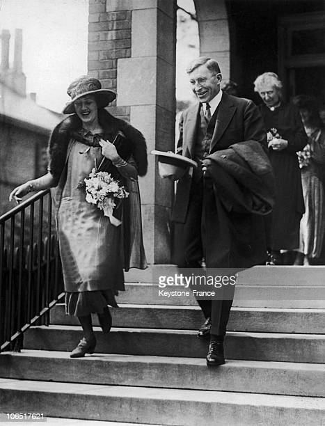 Marion And Frederick Banting Discovers Of The Insulin Treatment In 1924