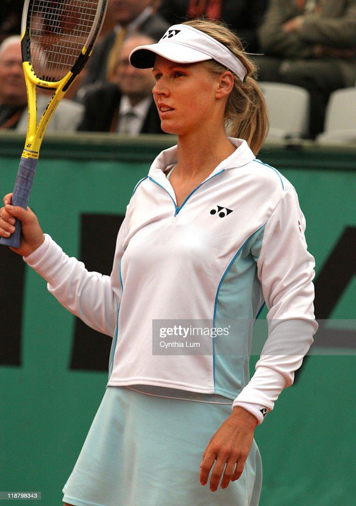 2007 French Open - Women's Singles - Third Round - Marion Bartoli vs Elena
