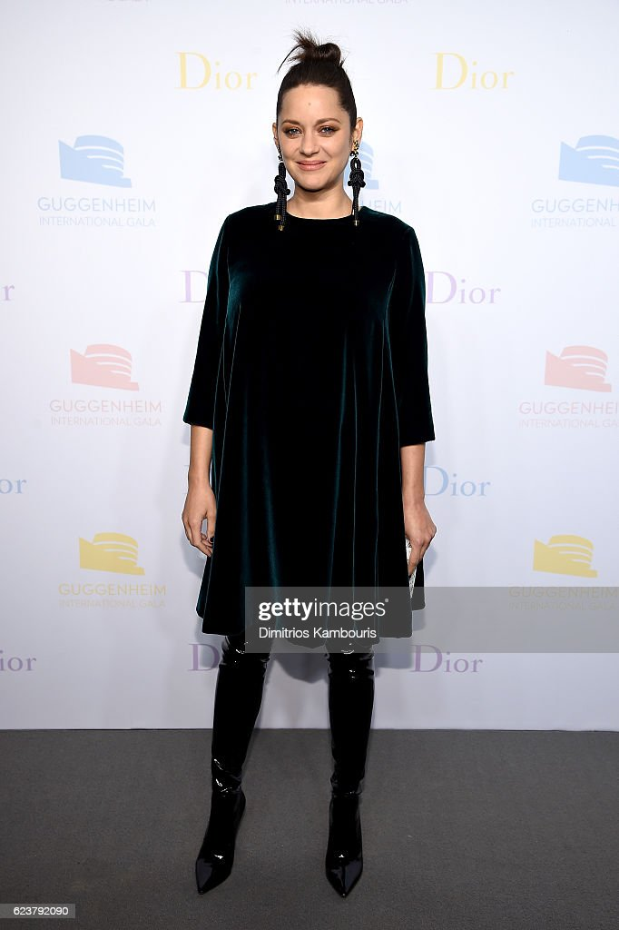 Marion Cotillard attends the 2016 Guggenheim International Pre-Party made possible by Dior at Solomon R. Guggenheim Museum on November 16, 2016 in New York City.
