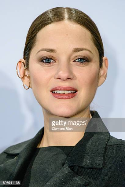 Marion Cotillard attends the 'Assassin's Creed' Berlin Photocall at Cafe Moskau on December 1 2016 in Berlin Germany