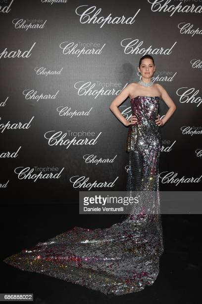 Marion Cotillard attends the Chopard Trophy photocall at Hotel Martinez on May 22 2017 in Cannes France