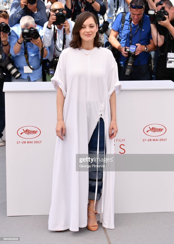 Marion Cotillard attends the 'Ismael's Ghosts (Les Fantomes d'Ismael)' photocall during the 70th annual Cannes Film Festival at Palais des Festivals on May 17, 2017 in Cannes, France.